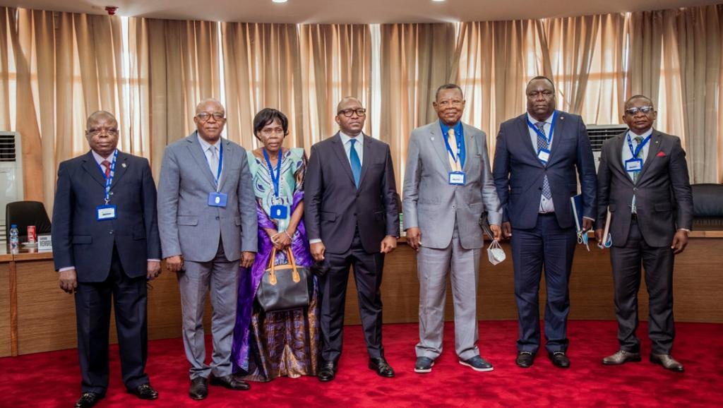 Le premier ministre et la délégation du regroupement politique Action des Alliés pour l'Amélioration des conditions de vie des Congolais (AAAC). Ph. droits tiers.